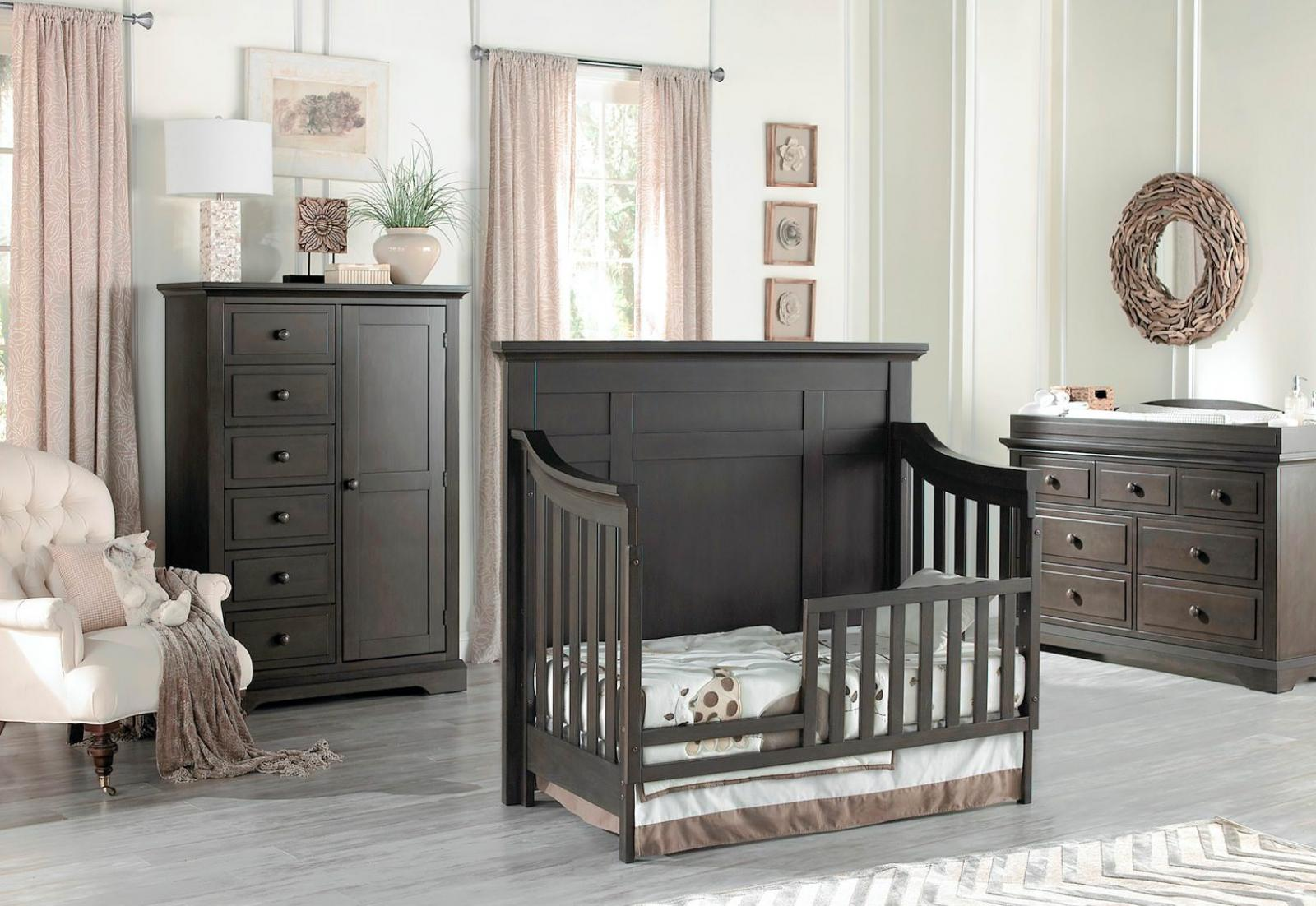 Dallas Collection Toddler Bed